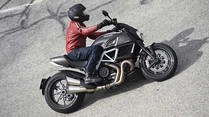 Ducati Diavel Carbon: Sportlicher Roadster