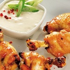 Chicken-Wings mit Zitronendip