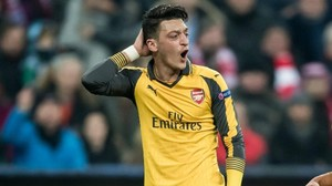 Mesut Özil: Berater sieht Arsenal-Star