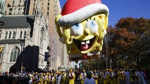 Gigantische Ballons: Thanksgiving-Parade in New York bei eisiger Kälte