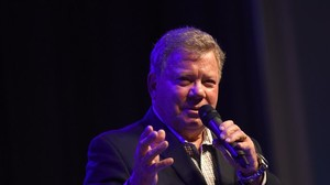 Baby, It's Cold Outside: William Shatner kämpft für umstrittenen Weihnachtssong