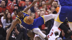 Basketball-Playoffs: Durant-Aus trübt Warriors-Sieg in NBA-Finale