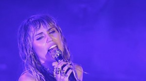 Slide Away - Miley Cyrus: Erster Song nach der Trennung