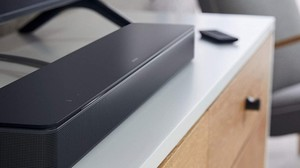 Schnäppchen-Highlights: Bose-Soundbar, Apple Watch Series 5 und Lenovo-Monitor bei Amazon