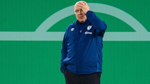 Schalke 04 in der Krise – Der Absturz des Bundesligisten in der Chronik
